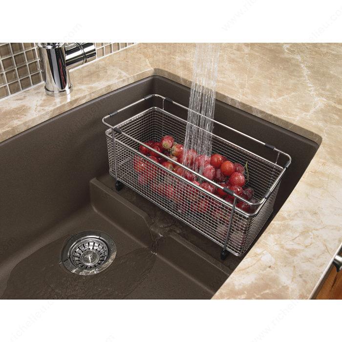 https www richelieu com ca en category sinks washbasins and faucets kitchen sinks blanco sink precis cascade single 1177560