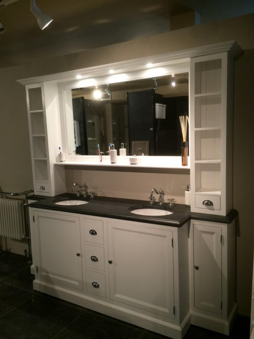 Badezimmerschrank Mit Integriertem Waschbecken