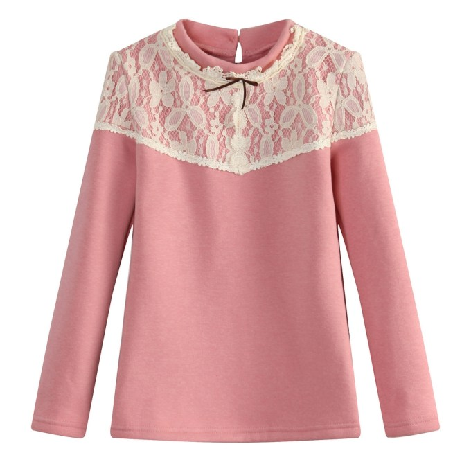 elegamt top with bow and lace
