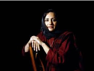 Aasma Shirazi popular Pakistani TV anchor