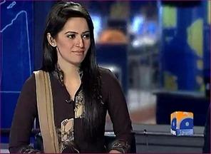 Ayesha Bakhsh Popular Pakistani TV anchor