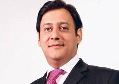 Jawed Malik popular Pakistani TV anchor