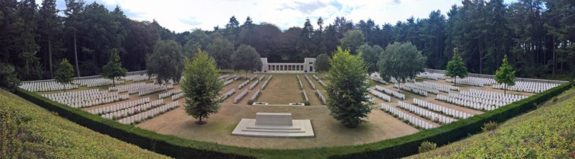 Buttes New British Cemetery Panorama