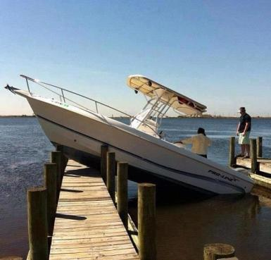 This is NOT how to dock a boat.