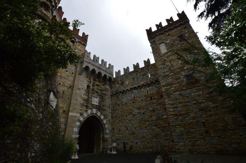 castello d'abertis a genova