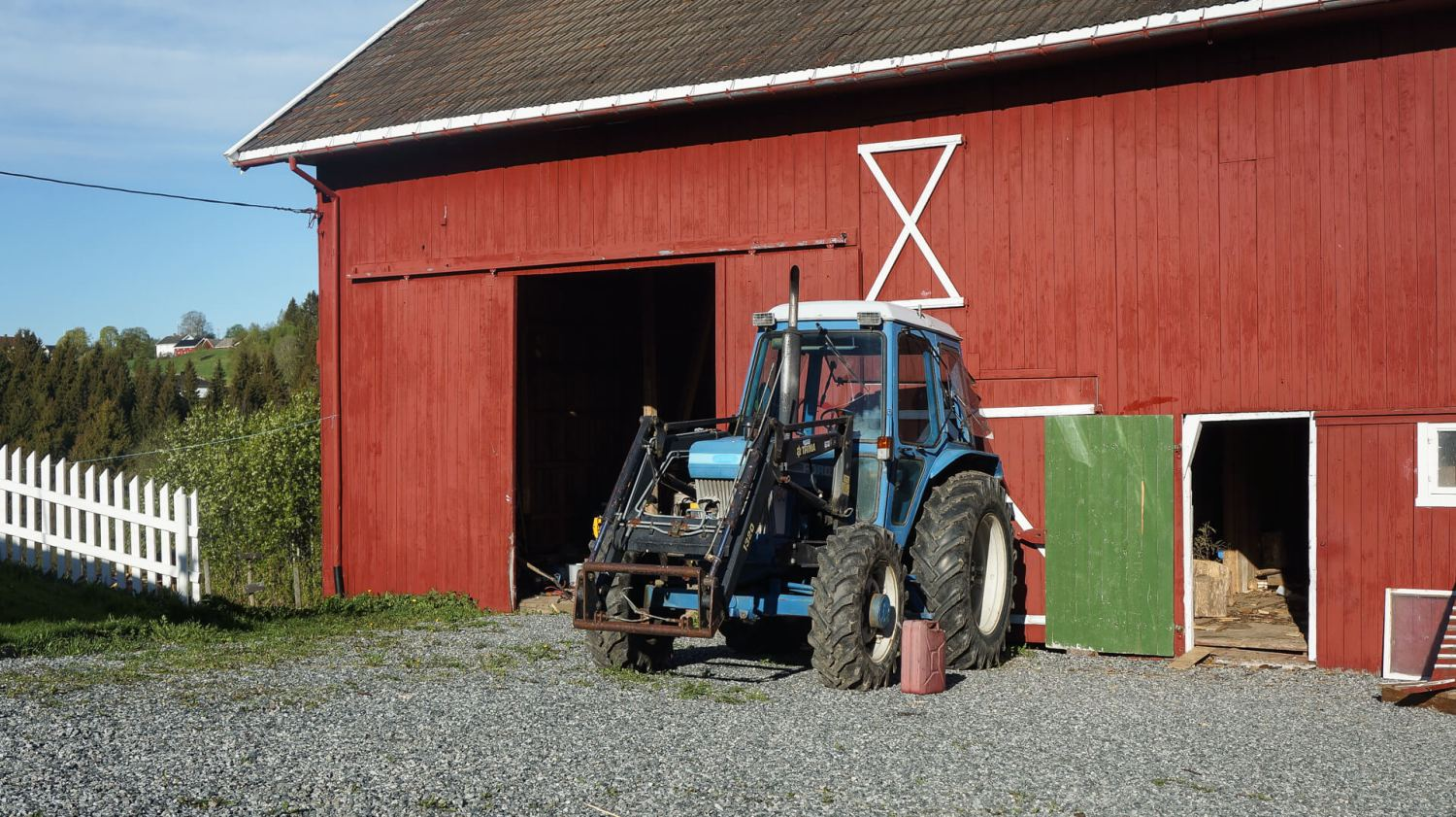 The tractor and the barn