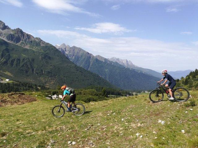 Passo del Tonale in mountain bike