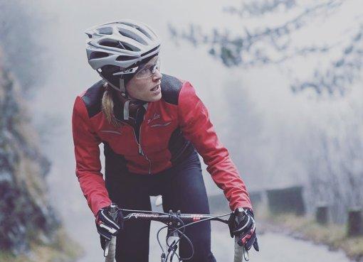 elena martinello in bici d'inverno
