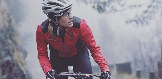 elena martinello in bici d'inverno