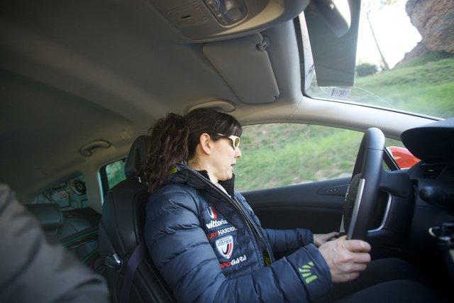 girlstories Veronica Passoni alla guida dell'Assistenza Neutrale in Corsa al Giro d'Italia