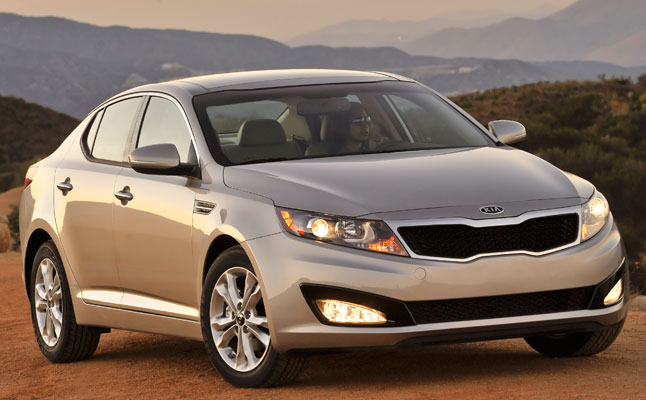 rides cars kia optima sedan