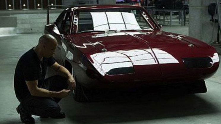 fast-and-furious-6-screenshot-vin-diesel-drives-dodge-charger-daytona-rides