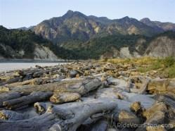 Drift log along Siang