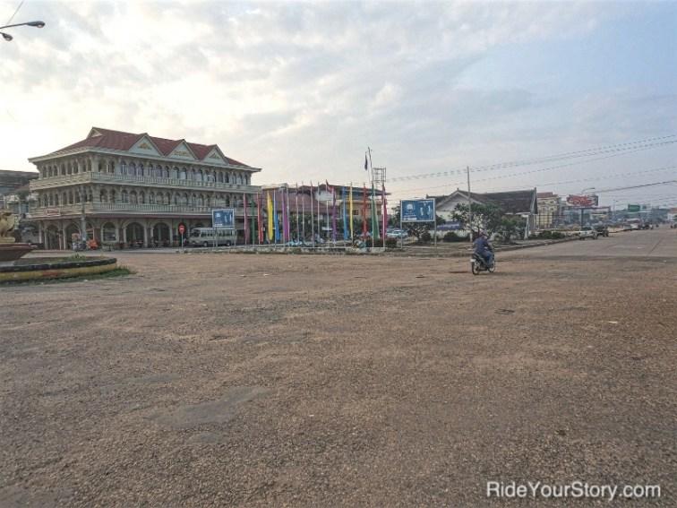 A quiet street in Stung Treng.