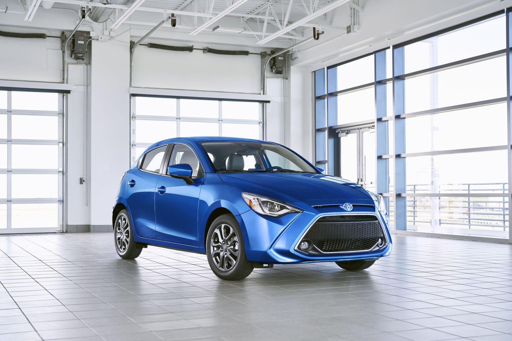 2020 Toyota Yaris Hatchback 01