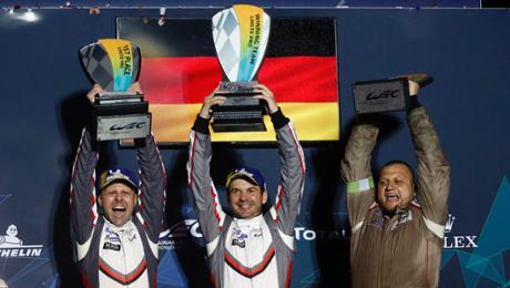 Porsche serve extends universe championship lead