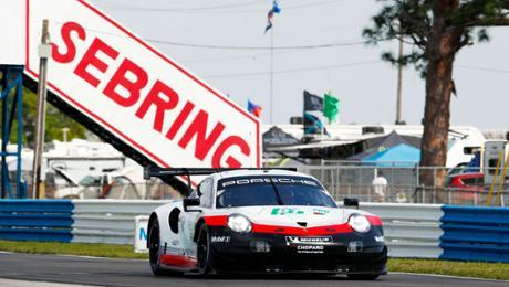 Härtetest für Porsche in Sebring