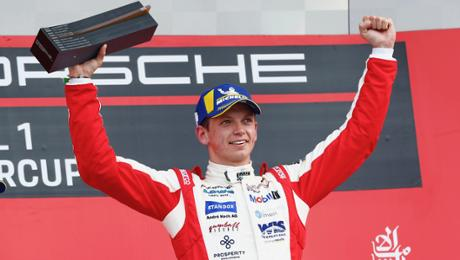Hockenheimring: Yelloly scores second win