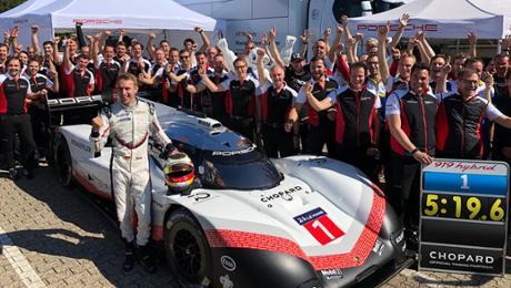 5:19.55 mins – Porsche 919 Hybrid Evo takes record