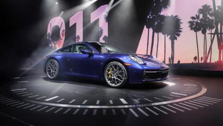 The new Porsche 911 – a pattern idol and high-tech sports car