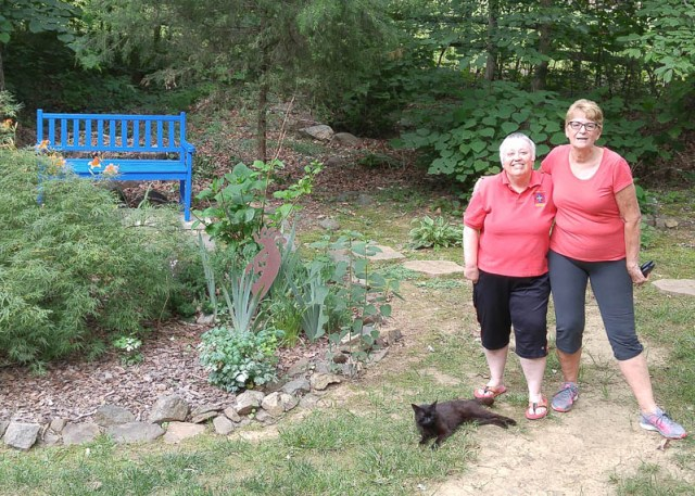 Sandy-and-Betsy-with-Stout-in-the-blue-bench-garden.-34-4
