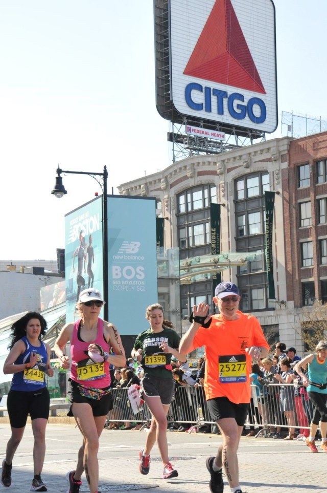 _Edwin-and-Leslie-mile-25-Citgo-Boston-Marathon.cropped-