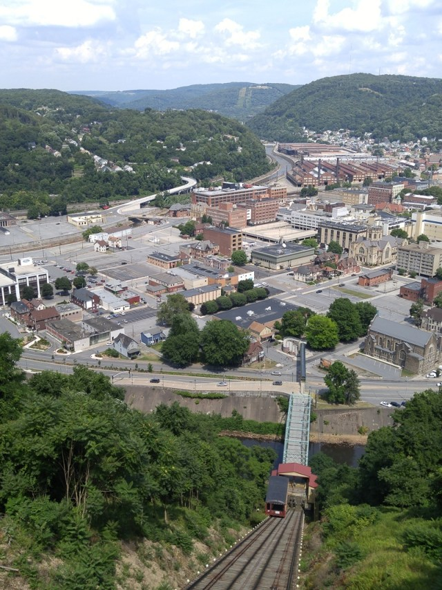 going-down-Johnstown-Incline-Railway.800-04