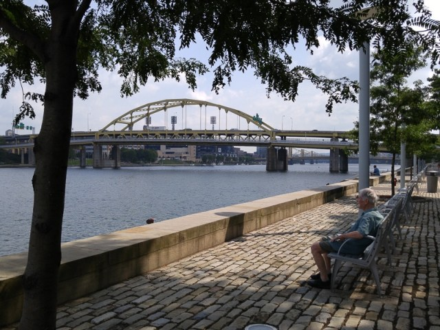 Pittsburgh-Point.looking-upstream-towards-Ft-Duqesne-Bridge.800-04