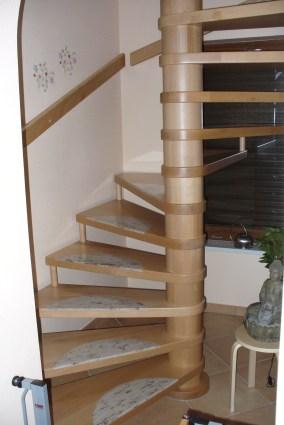 Treppen mit Graniteinlagen 11