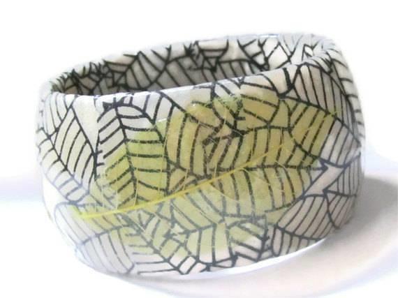 I tulipani sono stampati in carta di riso e il vaso è stato dipinto con del color acqua marina e alice ha dipinto anche l'erba. Decoupage Su Plastica Decoupage Decorare Con Il Decoupage La Palstica