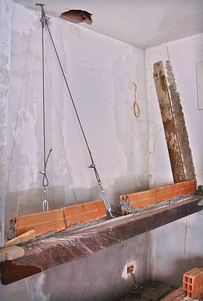 Cucina in muratura su misura  Come costruire zona cottura piani e cappa