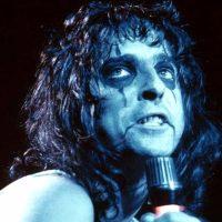 Retro Riffs: ALICE COOPER 'Welcome To My Nightmare'; Album Review & Stream