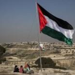 Gerusalemme, Prc: «Ue e comunità internazionale fermino quel pazzo di Trump»
