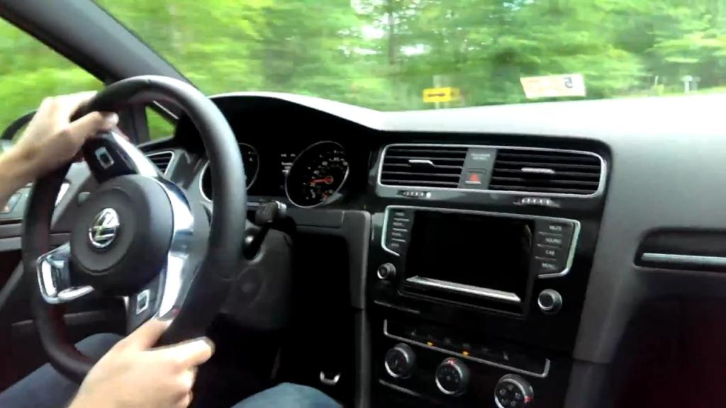 2015 Volkswagen GTI Driving