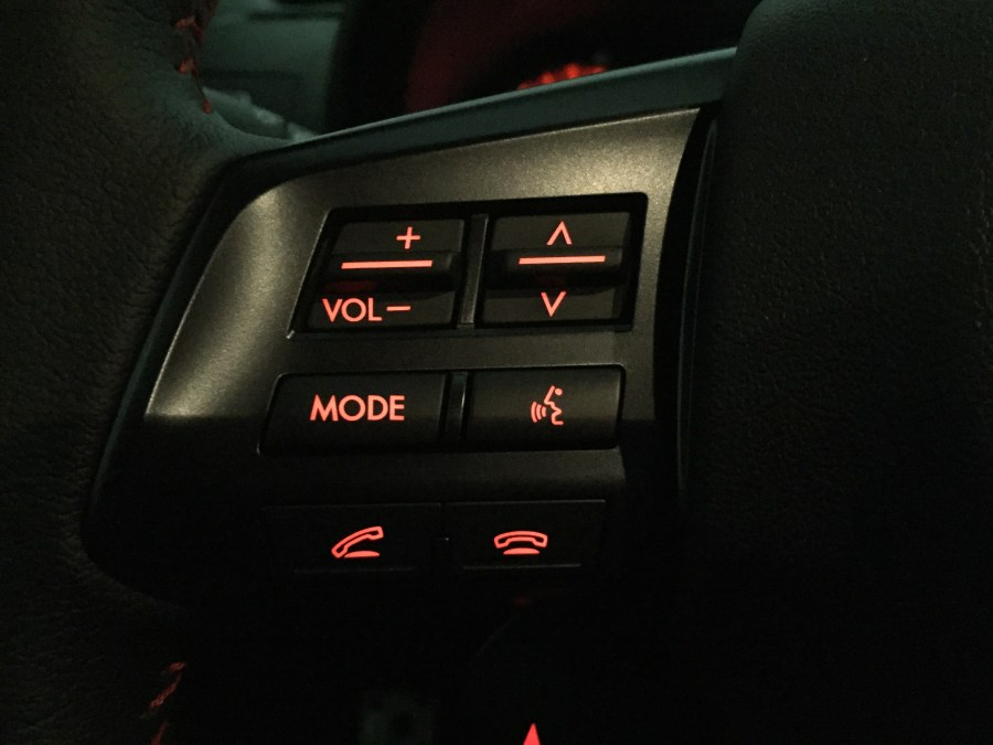 2015 Subaru WRX Limited volume controls