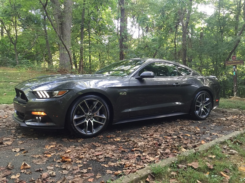 2015 mustang gt review right foot down. Black Bedroom Furniture Sets. Home Design Ideas