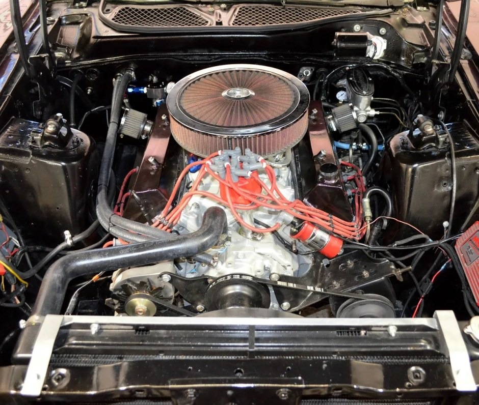 1973 Mustang Mach 1 clone with 392 stroker motor