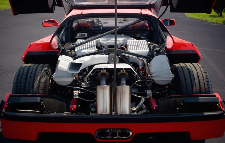 F40 engine bay