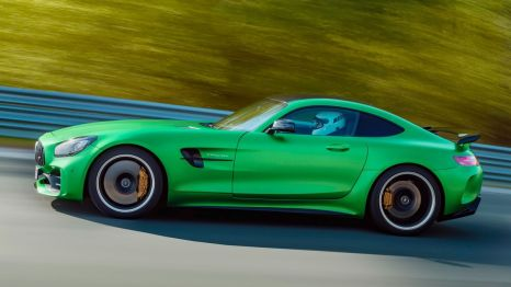 2018-Mercedes-AMG-GT-R-side-in-motion