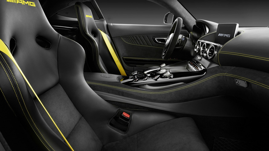mercedes-amg-gt-r-yellow-interior