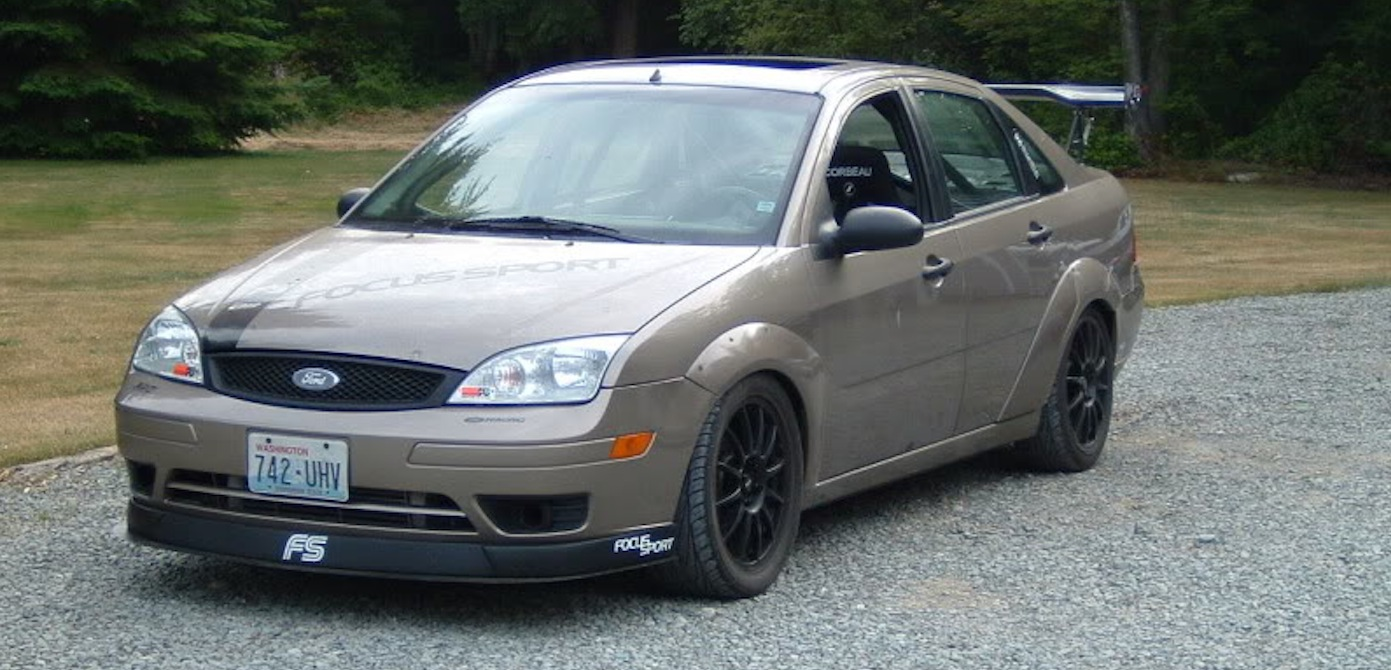 the 2005 ford focus zx4 st lives in the shadow of the. Black Bedroom Furniture Sets. Home Design Ideas