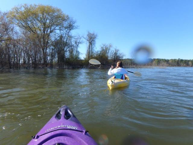 How to stay warm and enjoy your winter kayaking trip.