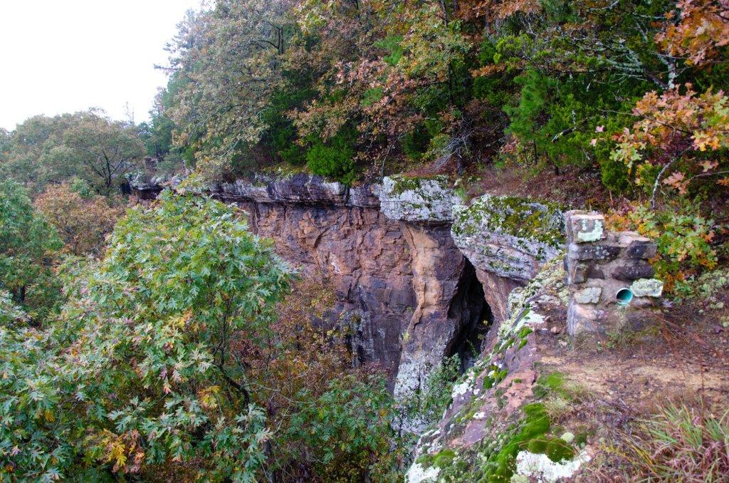 Pedestal Rocks Kings Bluff loop can be dangerous