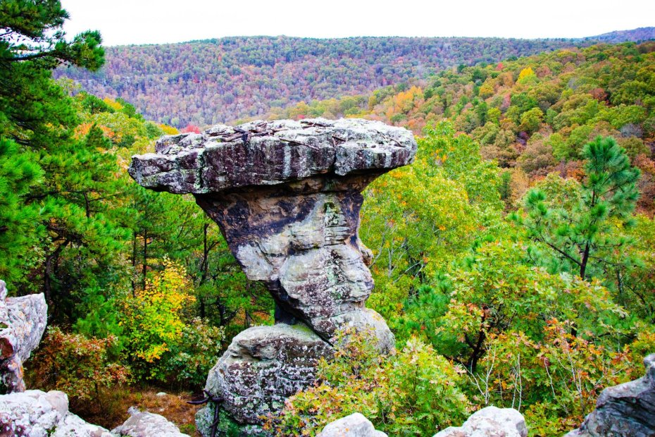 Hiking Pedestal Rocks Kings Bluff loops in the Ozark National Forest in Arkansas