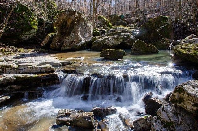 Water cascades on Smith Creek
