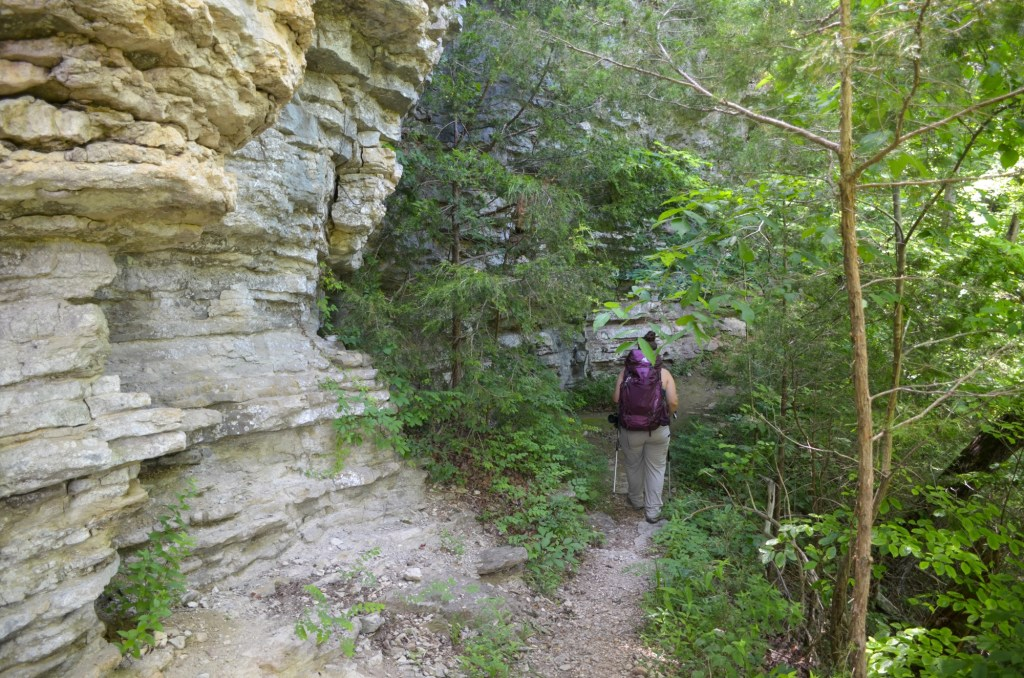 Hiking along the Buffalo River Trail from Kyles to Ponca