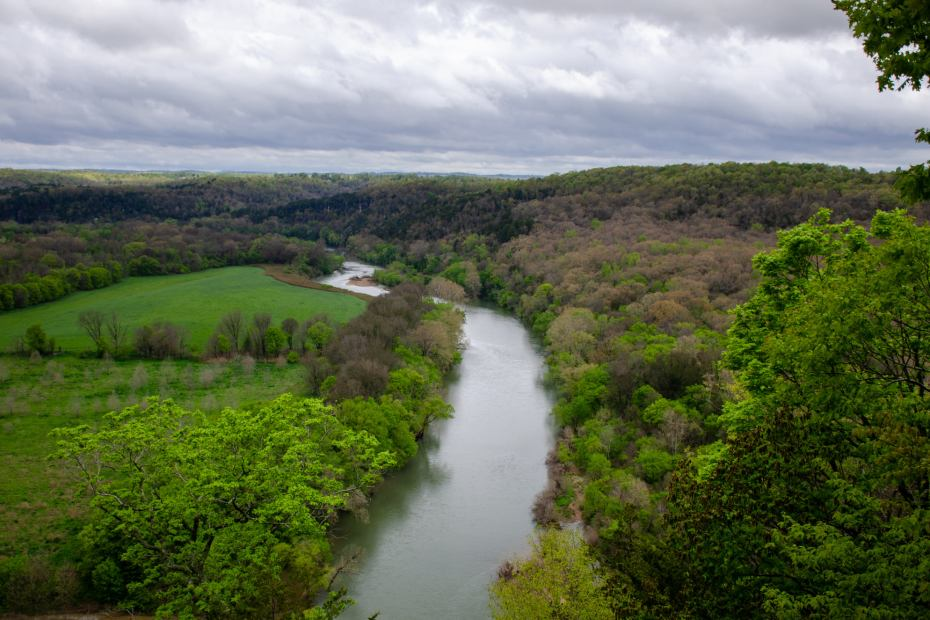 The Buffalo Rive is shown from the Riverview Trail