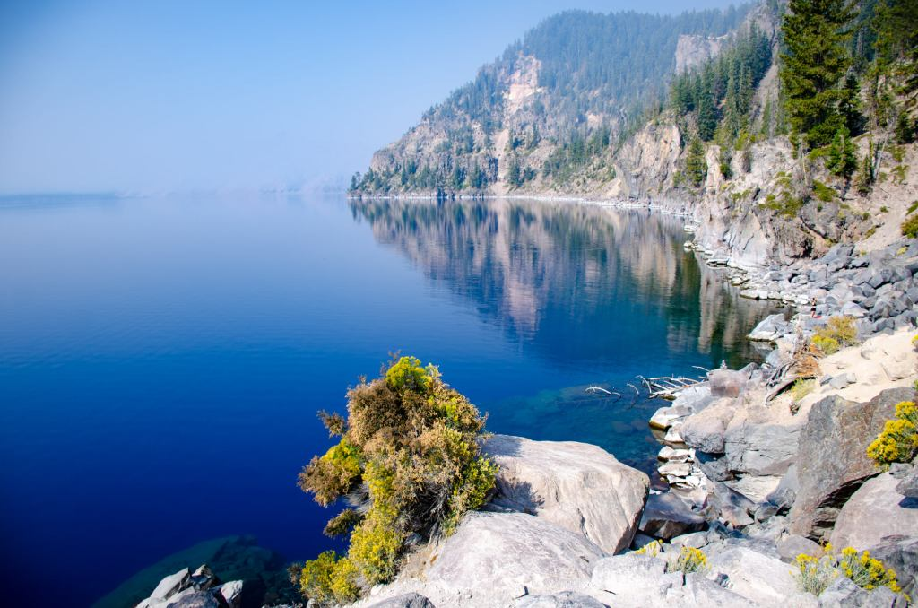 THe blue waters of crater lake is shown