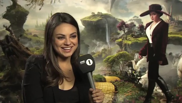 Girl Youtube Wallpaper Another Charming Mila Kunis Oz Interview With Mario