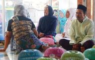 Eid ul-Adha 'begibung' at Medana Bay mosque: Leslie Rigney